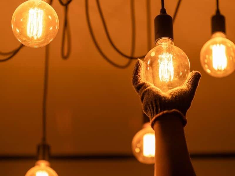 Déménagement : réévaluer les offres des fournisseurs d'électricité