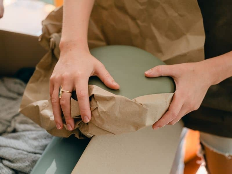Emballage d'objets fragiles - Assiettes